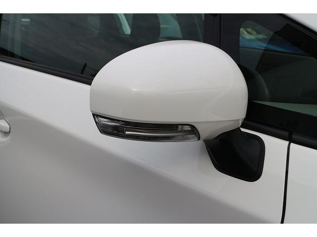 トヨタ プリウス L  ウインカーミラー  純正ナビ  バックカメラ