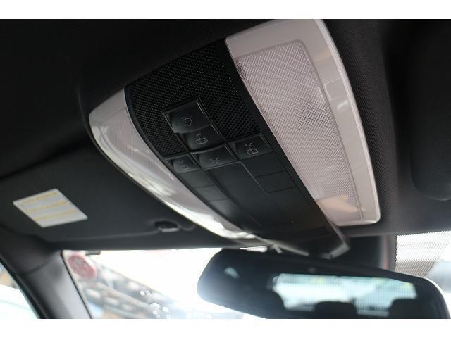 メルセデス・ベンツ M・ベンツ C200コンプレッサーW黒革シートアバンギャルドSパッケージ