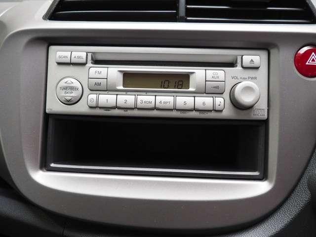 純正CDプレーヤー搭載です