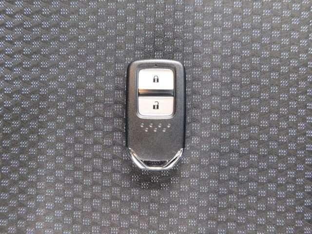 13G・L ホンダセンシング 当社デモカー 純正ナビ Rカメラ ETC ドライブレコーダー サイドエアバッグ(20枚目)