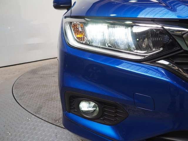 より明るく省電力 点灯忘れも防止できるオートライトコントロール機構付LEDヘッドライト装備ですフォグライトも付いています