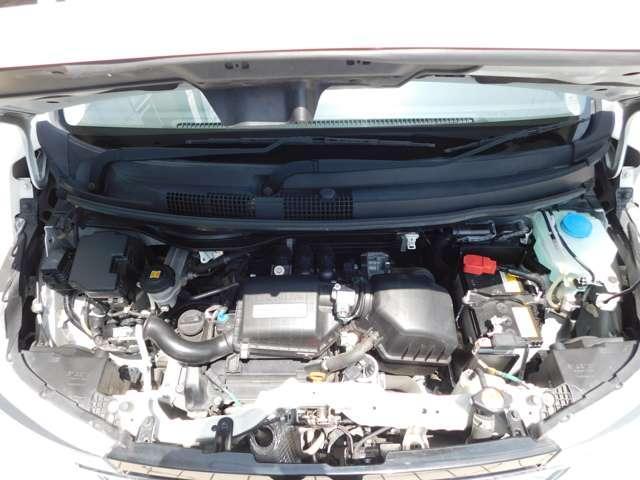 Hondaは、走らない軽をつくらないパワーと、燃費を両立させたエンジン。
