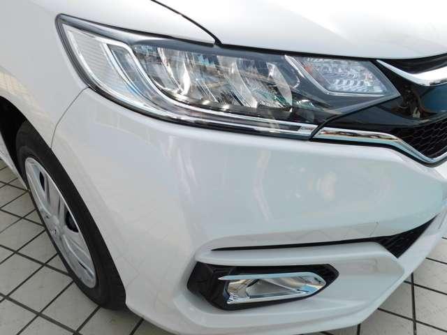 消費電力が少なく明るいLEDヘッドライトにフォグライトを装備しています。