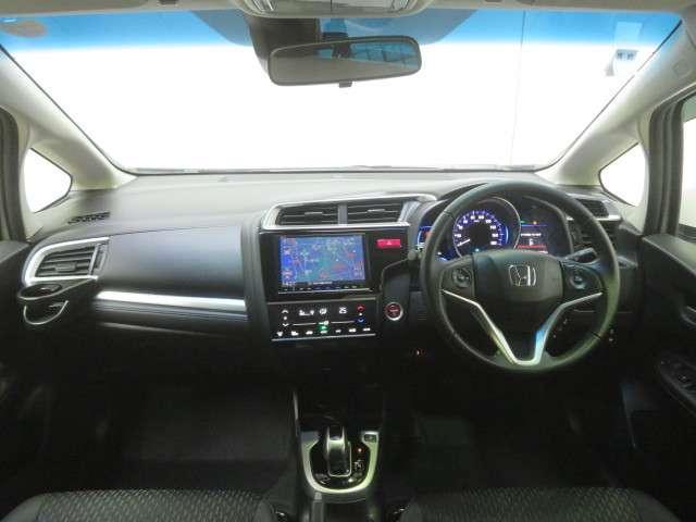 Honda車初めての方にも扱いやすく分かりやすいインパネ周りと各種スイッチ類です  (New)
