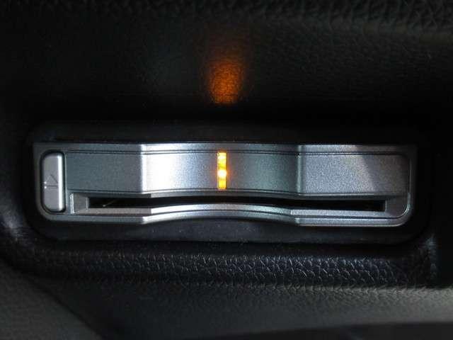 Fパッケージ 純正Mナビ フルセグ リヤカメラ Bluetooth DVD再生 ドアバイザー ETC 横滑防止装置 スマートキー ABS オートエアコン 盗難防止装置(13枚目)