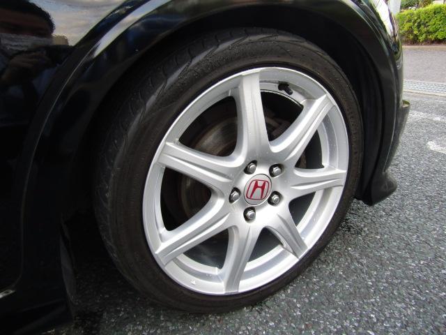 タイヤは ヨコハマ S-drive 5分山程度 2016年製がついています。他にも見たいところ、知りたいことなどございましたらお気軽にお問い合わせくださいませ。専門スタッフが丁寧にお答えいたします。