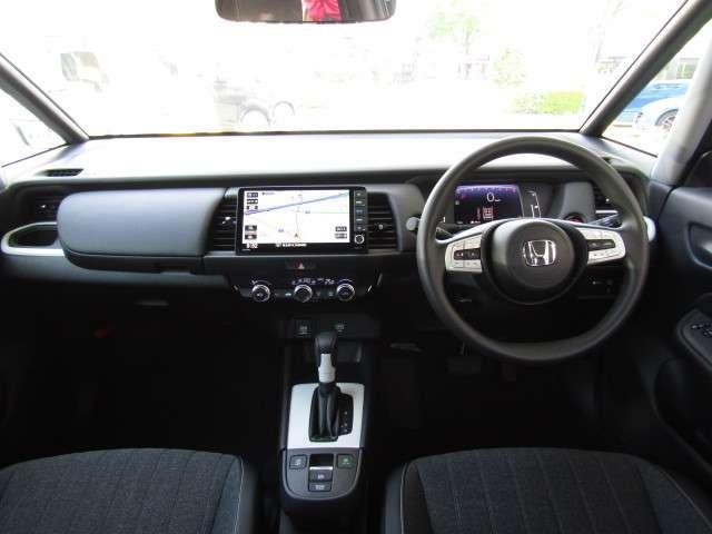 ホーム サイドエアバッグ サイドカーテンエアバッグ スマートキー 元試乗車 パーキングセンサー LEDヘッドライト フルオートエアコン 渋滞追従機能付ACC 誤発進抑制機能(前後)(15枚目)