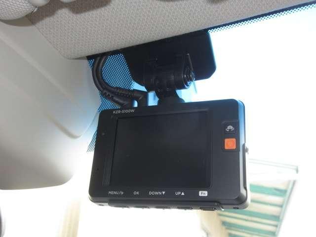 2.5iスペックB アイサイト 1オーナー パナソニックSDナビ Bluetooth フルセグ Rカメラ ドラレコ DVD/CD再生 パドルシフト 衝突被害軽減B ETC 純正18インチアルミ 横滑防止 盗難防止 4WD(5枚目)