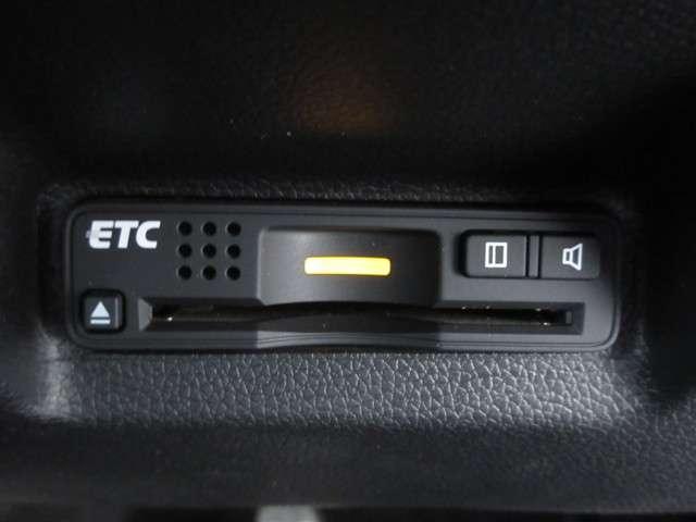 ハイブリッドX 1オーナー 衝突軽減B 純正Mナビ フルセグ Rカメラ DVD再生 ETC LEDライト アルミホイール スマートキー オートリトラミラー 横滑防止 盗難防止 アイドルストップ(11枚目)