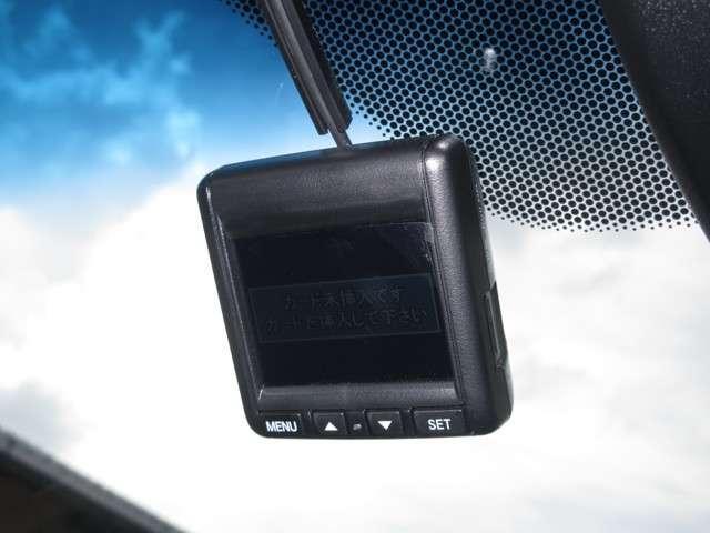 ハイブリッドZ・ホンダセンシング 1オーナー 禁煙車 安全運転支援S 純正Mナビ Rカメラ フルセグ 純正ドラレコ ETC 衝突被害軽減B サイドSRS LEDライト スマートキー シートヒーター(7枚目)