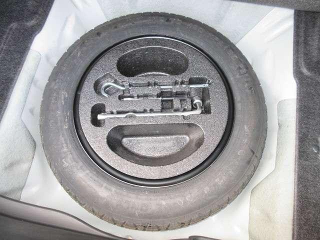 スペアタイヤ、装備車です。最近は、スペアタイヤが無くなってきていますが、やはりあれば安心ですよね!