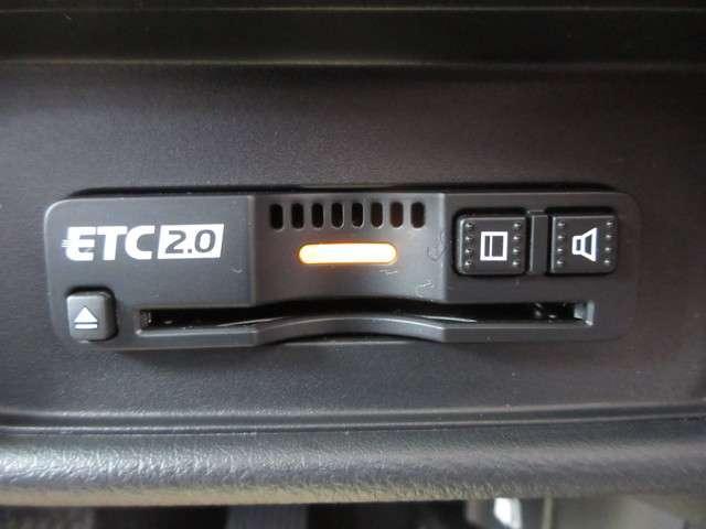 アブソルート・EXホンダセンシング ホンダセンシング 当社試乗車 禁煙車 純正メモリーナビ フルセグTV Bluetooth ETC LEDヘッドライト サイドカーテンエアバック シートヒーター 18インチアルミホイール(11枚目)