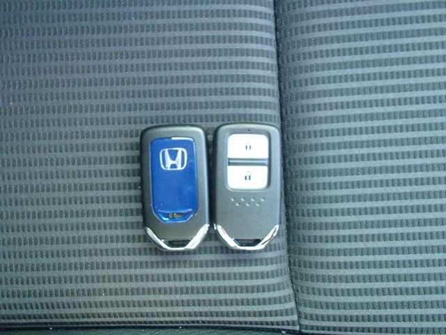 「ホンダ」「フィットハイブリッド」「コンパクトカー」「神奈川県」の中古車11