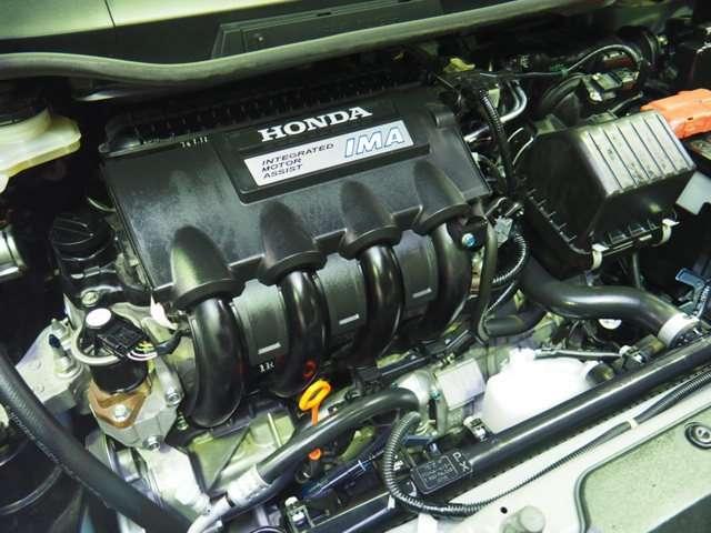 主役のエンジンをモーターがアシストするLDA-MF6型1.3L IMAエンジン搭載です
