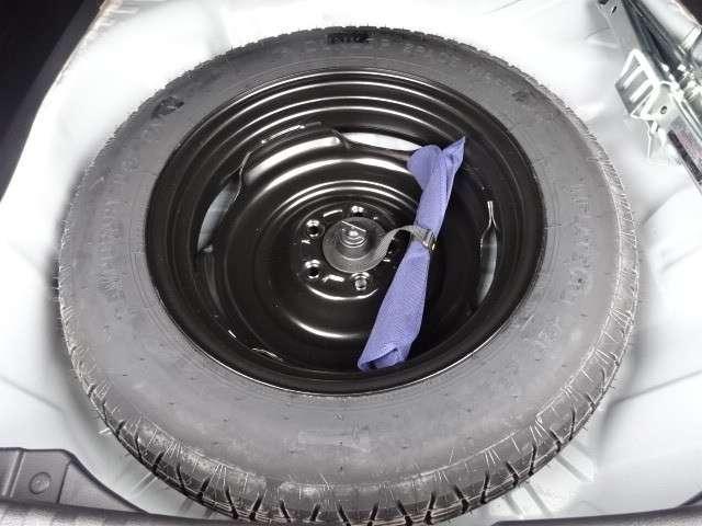 スペアタイヤ、装備車です。最近は、スペヤタイヤが無くなってきていますが、やはりあれば安心ですよね!