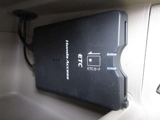 G・Aパッケージ ・・・純正メモリーナビ/ワンセグ/DVD・CD再生/バックカメラ/HIDヘッドライト/セキュリティーアラーム/スマートキー/ワンオーナー(11枚目)