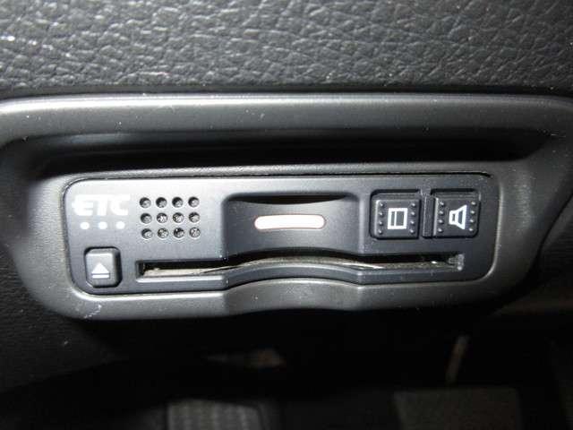 ハイブリッドZ・ホンダセンシング ・・・ドライブレコーダー/純正8インチナビ/禁煙車/Bluetooth接続可能/フルセグ/ETC/DVD・CD再生/バックカメラ/LEDヘッドライト/セキュリティーアラーム/スマートキー(11枚目)