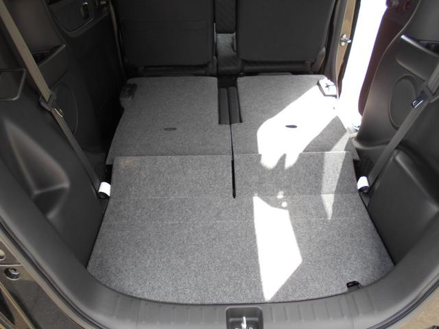 ☆後部座席は、簡単に倒す事ができます。荷室がさらに広くなります♪