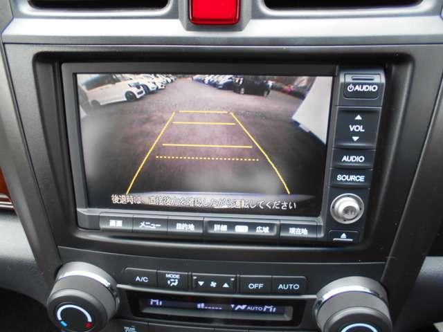 バックモニター付ですので後退時の死角もばっちりサポートします!狭い場所での駐車も安心ですね。