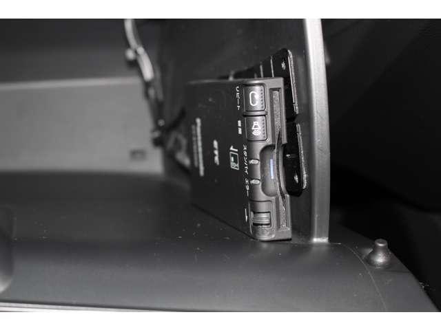 13G・Fパッケージ コンフォートエディション スマキー ETC HID シートヒーター ETC シートヒーター スマートキー CD 横滑り防止 ABS(3枚目)