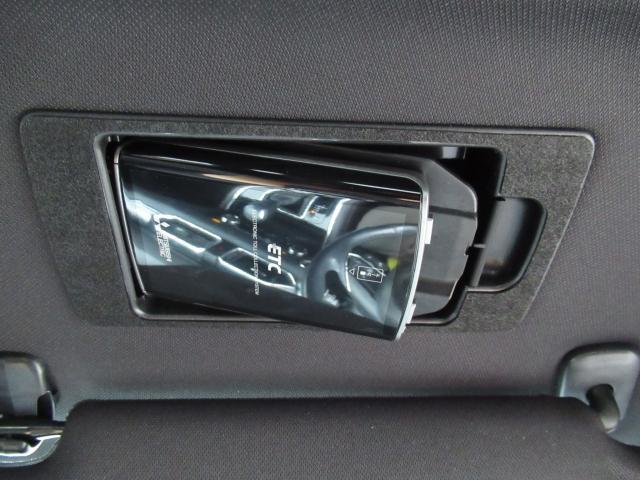 2.2 XD ディーゼルターボ 4WD マツコネフルセグ 360°ビュー 6人乗り リアモニター付き(12枚目)