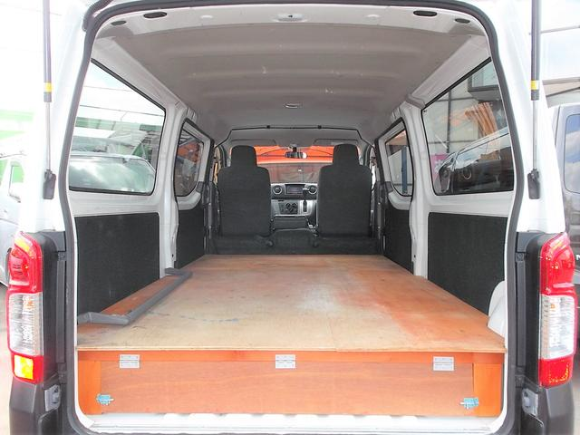 日産 NV350キャラバンバン DX1オナナビTVBカメラ低床3人5ドア荷室板張り平床仕様