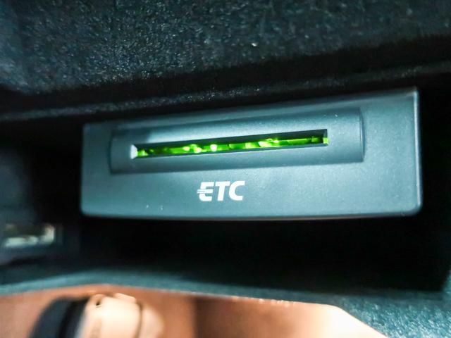 アウディ アウディ A4アバント 2.0TFSIクワトロ Sライン HDDナビ半革地デジTV