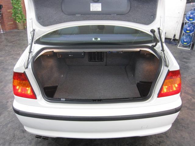 BMW BMW 325i ガラスサンルーフ 社外ナビ ETC ドアバイザー