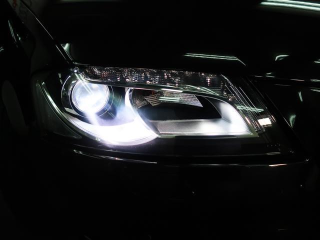キセノンヘッドライトを装備。夜間でも安心の明るさです。便利なヘッドライトウォッシャーも装備しております。