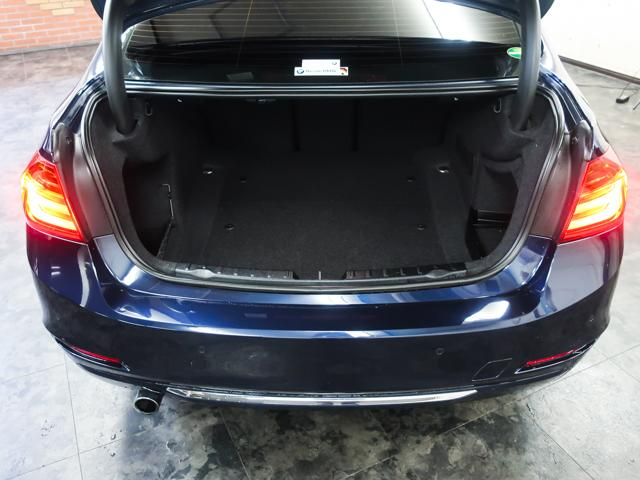 320dブルーパフォーマンス ラグジュアリー 黒革HDDナビ(4枚目)