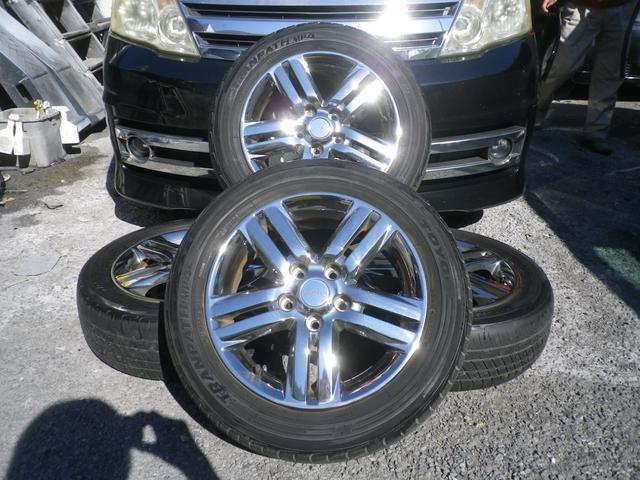 純正アルミホイール4本御座います。*タイヤの溝は御座いません。