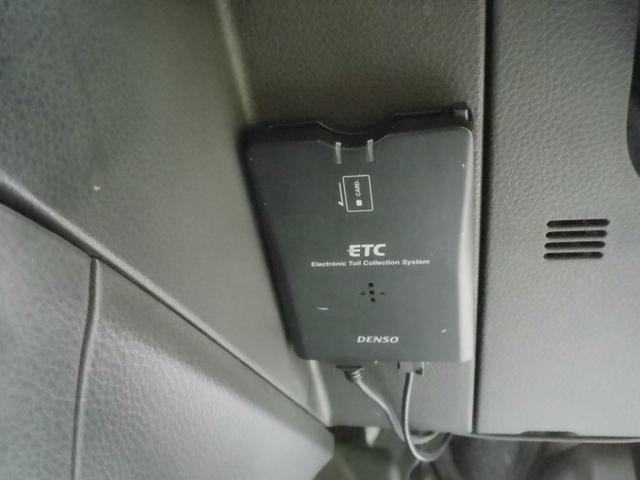 Stt 4WD 2オーナー 記録簿 禁煙車 HDD バックカメラ シートヒーター ハイパールーフレール スマートキー キセノン(15枚目)