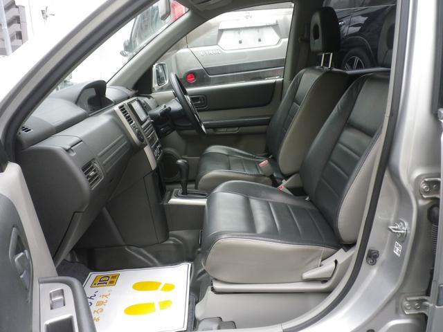 Stt 4WD 2オーナー 記録簿 禁煙車 HDD バックカメラ シートヒーター ハイパールーフレール スマートキー キセノン(20枚目)