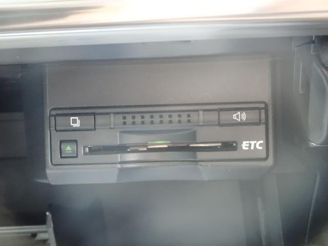 レクサス CT h クリエイティブテキスタイルインテリア 黒革シートPCS
