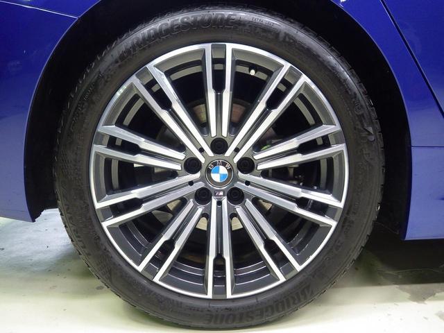 320d xDrive MスポEDジョイ+ハイライP ハイラインパッケージ・オイスターレザーシート・電動リアゲート・アクティブクルーズコントロール・コンフォートアクセス・ハンズオフ・Bluetoothオーディオ・・ハンズオフアシスト(4枚目)