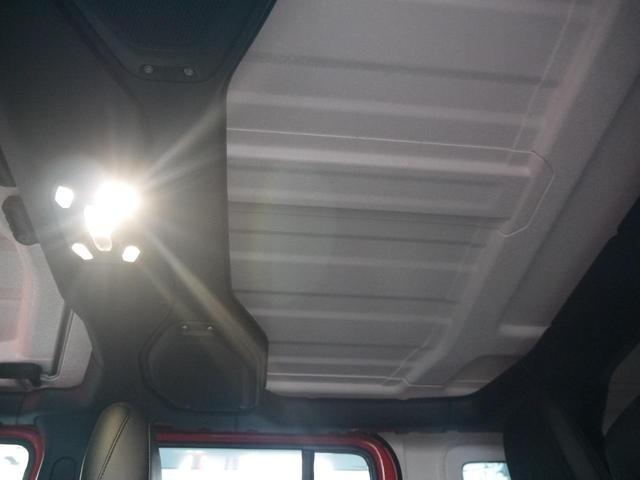 サハラ 2.0Lターボ 黒革シート ヒッチメンバー LEDヘッドライト クルーズコントロール フロント・リア・サイドカメラ ステアリング&シートヒーター カープレイ パーキングセンサー ETC 新車3年保証(14枚目)