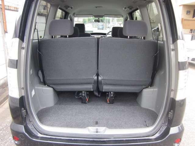 トヨタ ヴォクシー X HDDナビ 3列シート
