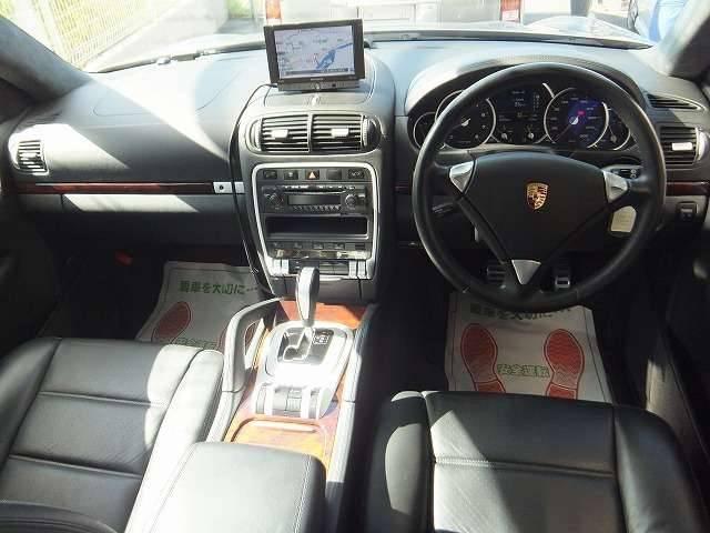 ターボ ティプトロニックS 4WD 黒革メモリーパワーシート(9枚目)