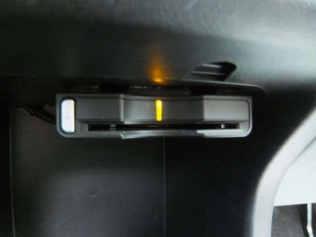 三菱 アウトランダー G HDD ロックフォード DVD再生 バックカメラ