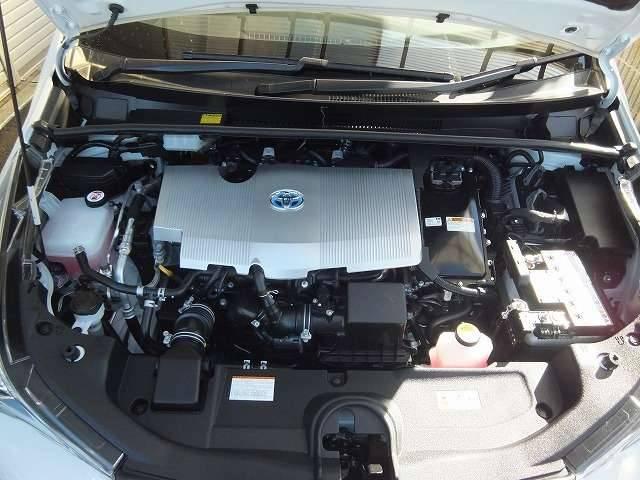 トヨタ プリウス S E-Four 4WD ナビTV 禁煙