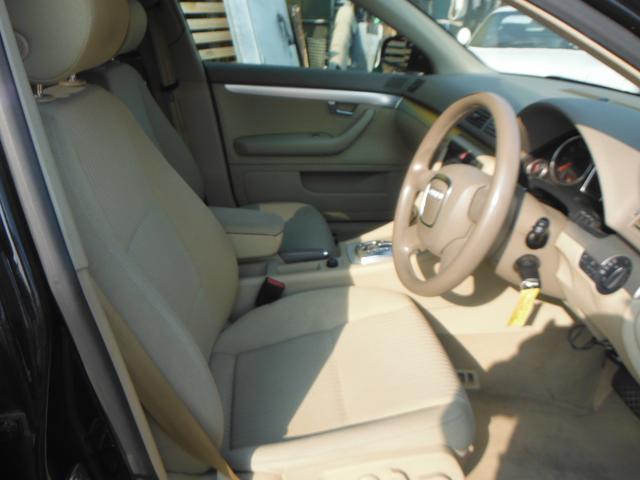 アウディ アウディ A4アバント 2.0 後期モデル