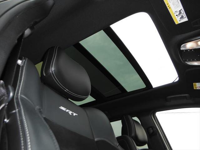 クライスラー・ジープ クライスラージープ グランドチェロキー SRT8 正規ディーラー車 ワンオーナー 純正ナビ地デジ
