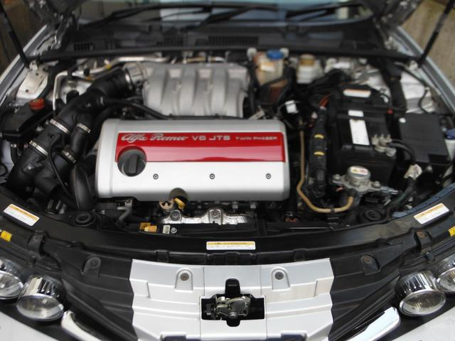 V型6気筒DOHC24バルブ・出力260ps(191kW)/6300rpm・トルク32.8kg・m(322N・m)/4500rpm(カタログ値)