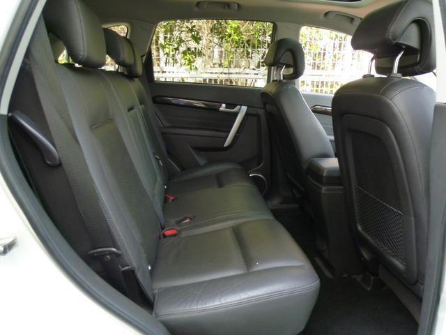 十分な広さを確保したセカンドシートでロングドライブも快適です!