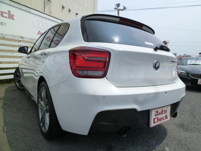 BMWのプレミアムコンパクトセグメントで後輪駆動(FR)を採用する1シリーズでMの遺伝子が組み込まれた「M135i」3L直列6気筒ツインパワー・ターボ・エンジンを搭載した出力320馬力です!