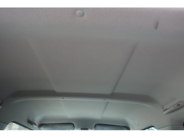 ランドベンチャー 4WD 最終型 リフトアップカスタム車 MKW16インチアルミ&マッドタイヤ タニグチマフラー 前後強化ラテラル リフトアップサス&ショック 純正OPルーフスポイラー 専用インテリア&レザー調シート シートヒーター&ミラーヒーター(15枚目)