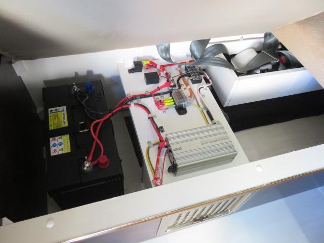 GX ライダー リラックスワゴン 10人乗り サブバッテリー 走行充電 インバーター ナビ ETC バックカメラ キセノンヘッドライト デイライト フロントリップ 社外アルミ スタビ ショック テールランプ(16枚目)
