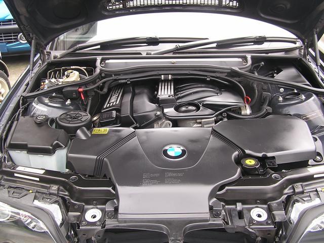 BMW BMW 318iツーリング Mスポーツパッケージ 17インチアルミ
