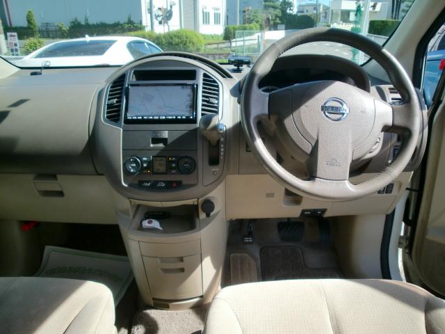 ゆったりな運転席は運転を楽しくさせます!