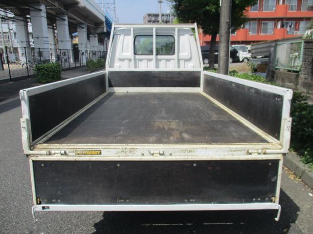 ロングスーパーローDX ロング 4WD 5マニュアル シングルタイヤ 荷台板張り(8枚目)
